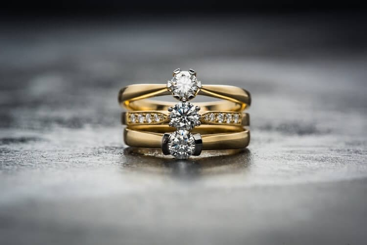 The advantage of having a jewellery specialist by your side